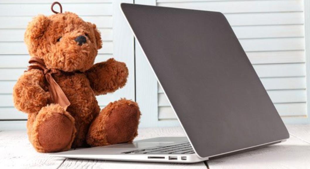 Arbeiten im Home Office.  Vereinsamung, Überstunden und Stress.
